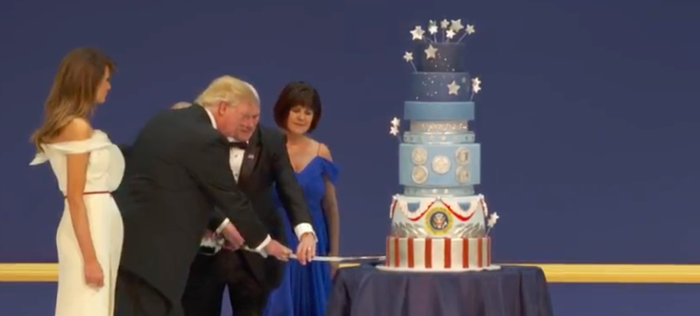 inaugural-ball-2017-cutting-the-cake